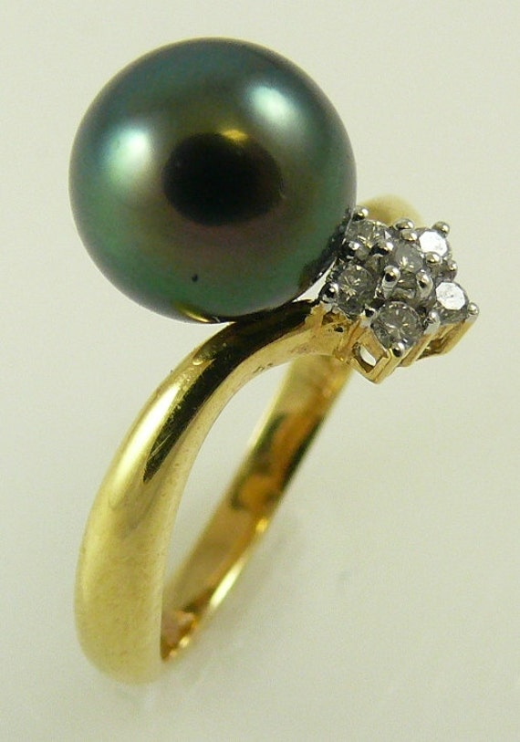 Tahitian Black 9.4 mm Pearl Ring 18K Yellow Gold and Diamonds 0.12ct