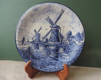 Delft's Hand Decorated 381 Vintage