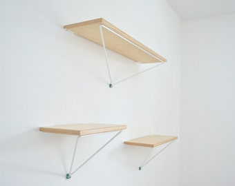 Wall shelf triangular/Triangular Shelf