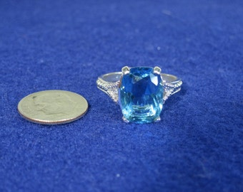 Blue and White Gemstone Costume Ring Size 8.75