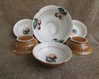 Set of 6 soviet vintage dessert bowls saucers. 5 small dessert bowls and one large serving bowl. Russian porcelain. USSR 1980