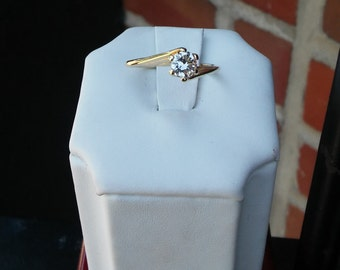 Vintage Designer II 14k Yellow Gold Diamond Solitaire Ring