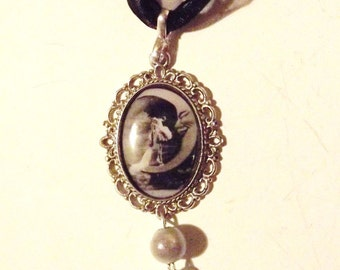 "Necklace ""I asked the Moon"""