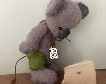 """Artist Handmade Bear.""""Widget"""" a little mouse!"""
