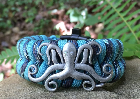 Beach Paracord Bracelet, with an pewter octopus