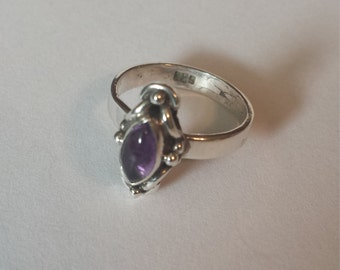 Sterling Silver .925 Ring With Amethyst Cabochon