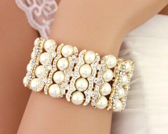 Pearl wedding bracelet, Pearl bridal jewelry, GOLD, Pearl bridal bracelet, Bridesmaid bracelet, Pearl jewelry, Pearl cuff bracelet 0188G