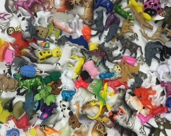 "25 Animal Trinkets (Sm <1.5"", Lg < 3""), for I Spy bags, Occupational Therapy, Sensory tables, Rice Boxes, Valentines favors, Teaching aids"