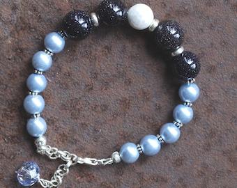Pearls bracelet blue silver, dark blue