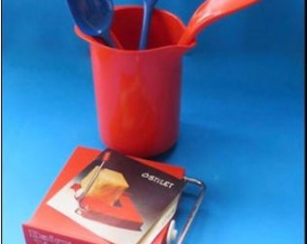 20% off Bright Red and Blue Rosti Melamine Jug and Utensil and Ostilet Cheese Cutter