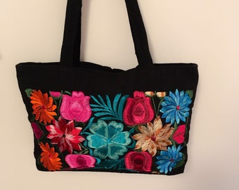 Mexican Hand Embroidered Handbag from Chiapas Mexico (Black/multicoloured flowers)