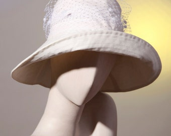 picture cotton hat and veil white, married