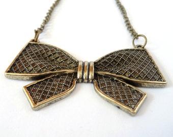 Bronze Bow Pretty Pendant Necklace