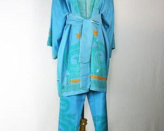 1960's Vintage Silk Japanese Lounge Set - Short Kimono/ Capris Pants S/M