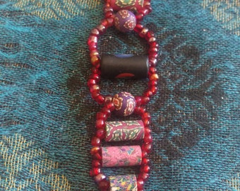 Red Robin beaded bracelet