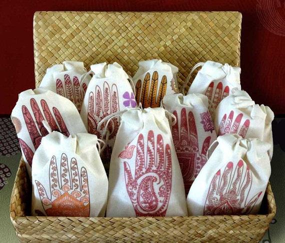 Mehndi Party Presents : Henna party lavender wedding sachet favors south asian
