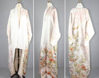 silk robe / vintage kimono / embroidered / GHOST PLANT silk kimono