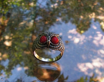 Owl Ring With Coral And Sterling Silver