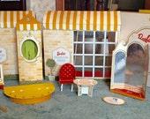 Vintage Barbie's Fashion Shop (1962)