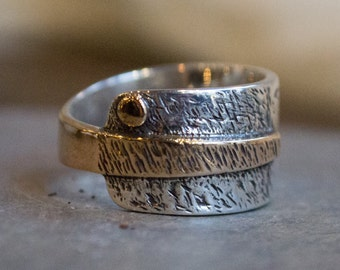 Sterling silver ring, two tones ring, rustic Mens ring, silver gold band, wide silver band - oxidized silver wide band - Imagine icon R1659