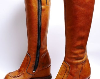 Size 5 // 1970s Tall Caramel Brown Leather Campus Boots// Wedge Platform  Boots// 102