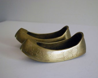 Brass Shoe Ashtray, Korean Brass Figurine, Incense Burner, Brush Washer, Tobacciana, Lotus Flower, Engraved Brass, Asian Boho Decor