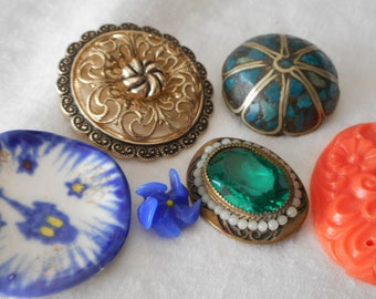 Lot of 6 Vintage BUTTONS & Costume Jewelry to Re Purpose Scrap