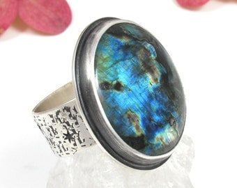 Large Labradorite Ring Sterling Silver - Labradorite Spectrolite Statement ring - US size 8 1/2 - big round Labradorite Ring - size 8.5
