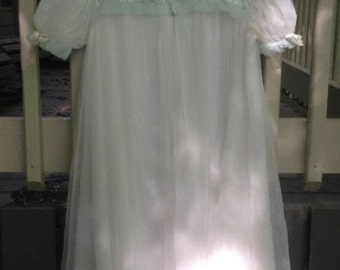 Vintage Bridal White Pegnoir Housecoat Chiffon and Nylon