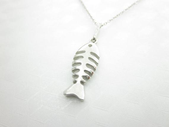 Fish necklace fish bones necklace fish skeleton silver fish for Fish skeleton necklace