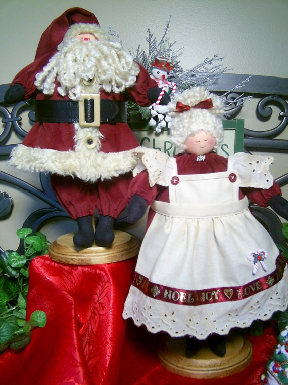 Mailed Cloth Doll Pattern 13in Mr and Mrs Claus