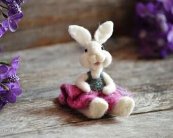 Bunny Rabbit  - needle felted - Bear Creek Bunnies