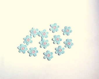 Crochet Flowers Appliques 117.31 --- 12 pcs --- Tiny Size flowers in Light Blue Petals with Centre in Pink