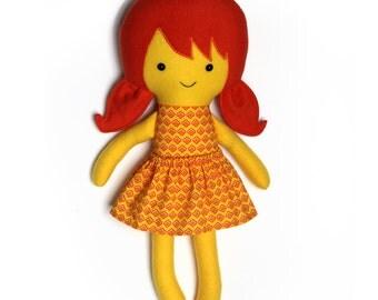 Rainbow rag doll / educatieve pop / geel met oranje pop / tegen racisme / knuffelpop