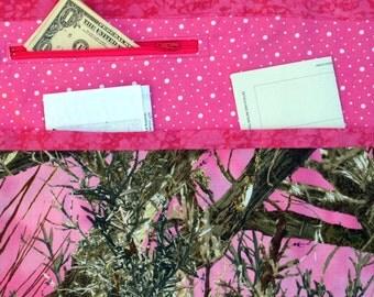 Camouflage and Pink Vendor Craft Apron, Farmer's Market, Teacher Apron, Utility Apron, Garden apron