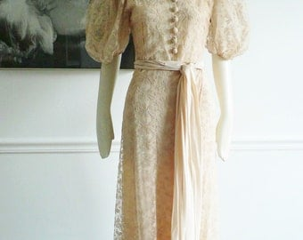 1930s peach Chantilly lace gown/ 30s dinner dress/ art deco evening gown/ hollywood glamour evening dress