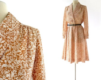 Bird Print Dress / The Aviary / Shirtwaist Dress / 1970s Dress / Medium M