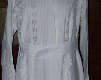1870s Woman's  Broderie Anglais White Robe Gown Coat Great Wedding Item