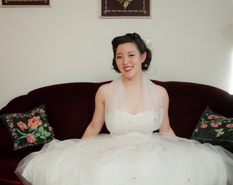 Vintage 1950s Wedding Dress - Iconic White Tulle Haler 50s Cupcake Bridal Party Dress with Full Skirt and Flower Appliqué