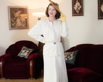 Vintage 1940s Suit - Sophisticated Off White Summer Gabardine 40s Suit with Strong Shoulders