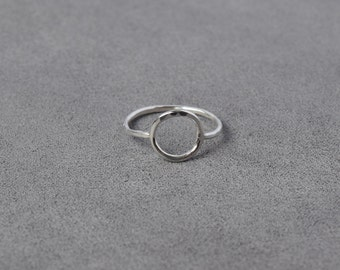 Delicate Silver Circle Ring, Minimal Silver Ring, Hammered Silver Rings, Simple Ring, Everyday Ring/Silver Ring,Modern/Silver Ring/Wire Ring