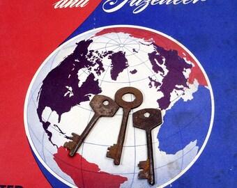 Antique Skeleton Keys   Old Keys   Three Vintage Keys   Rusty Keys   Repurpose Upcycle Supplies   Collectible Keys   Assemblage Art Supplies