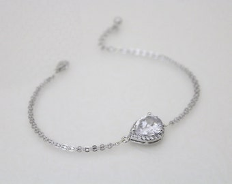 Crystal Bangle bracelet, Simple Wedding bracelet, Bridesmaid bracelet, Silver Bangle bracelet, Teardrop bangle, CZ bracelet, Bridesmaid gift