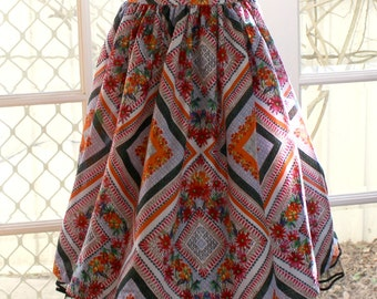 1950' s  Styled Gathered Skirt .   Summer floral