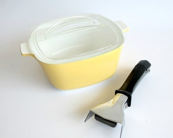Vintage Corning Ware Casserole Dish Harvest Line 1 3/4 Quart Butternut Yellow Detachable Handle Kitchenware