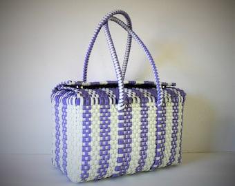 VINTAGE plastic weave BAG / Beach Bag / Vintage Bag / Reuseable Bag / Travel Bag / Plastic Bag / Picnic Bag / Purple