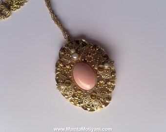 Vintage Avon Necklace, Faux Pearls Pendant Necklace, Pink Cab Pendant, Vintage Jewelry, Vintage Necklace, Statement Necklace, Funky Necklace