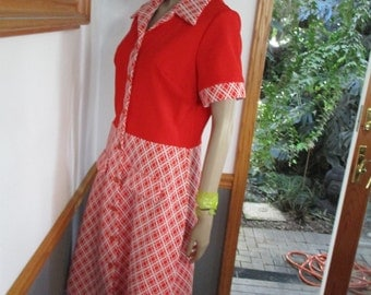 Womens Dress Suzy Bishop Style  70's Mod* Double Knit Polyester  with Peter Pan Collar Short Sleeves Cute Union Dress