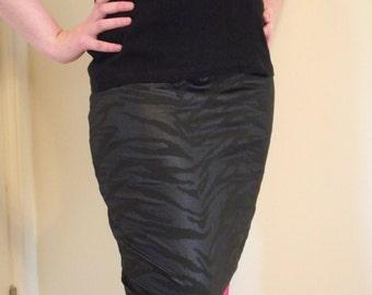 Black Zebra Print Pencil Skirt // Size Small // Goth Alternative Emo Pinup Pink