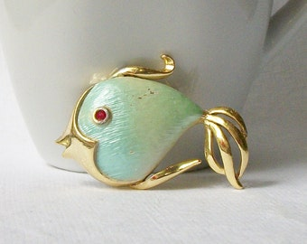 ON SALE Vintage Fish Brooch